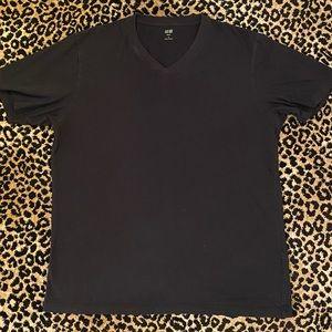 Men's Uniqlo Supima Cotton V-Neck Short Sleeve T